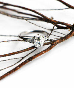 Oval Engagement Rings Thin Band